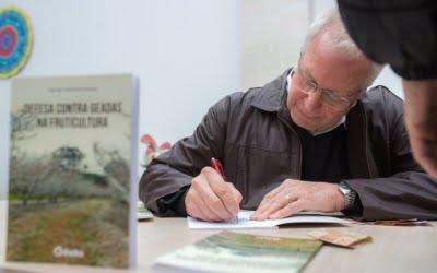 Defesa contra geadas na fruticultura é tema de livro lançado por engenheiro associado à AREAVID