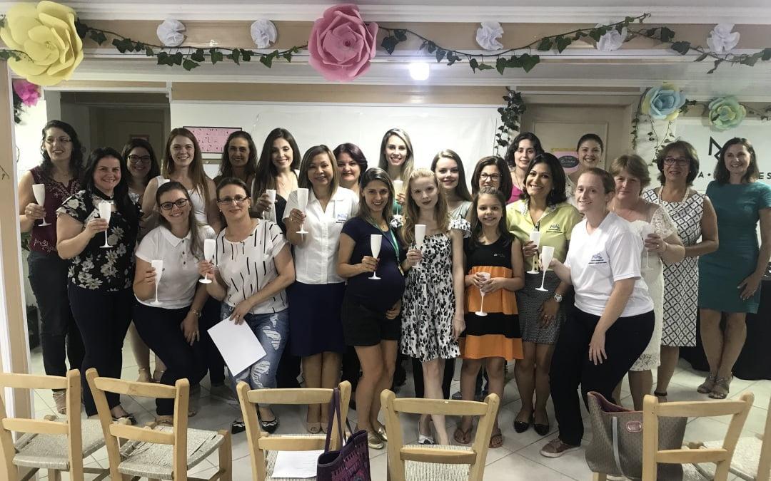 Engenheiras, arquitetas e convidadas  participam do 1º happy hour da AREAVID