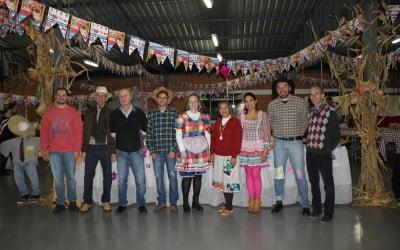1ª Festa Junina da AREAVID divertiu associados e convidados